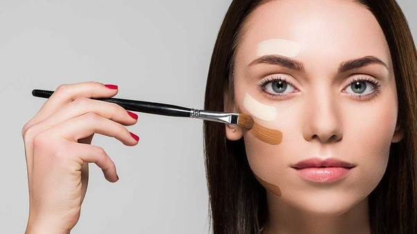 همه چیز درباره نقش لوازم آرایشی در کاهش افسردگی