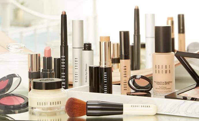 مهمترین مزایای خرید آنلاین لوازم آرایشی و بهداشتی اصل